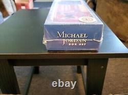 2007 Fleer MICHAEL JORDAN 200 Box Set with Floor Card Factory Sealed