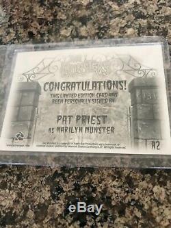 THE MUNSTERS PAT PRIEST BUTCH PATRICK YVONNE DeCARLO AUTOGRAPH SET RITTENHOUSE